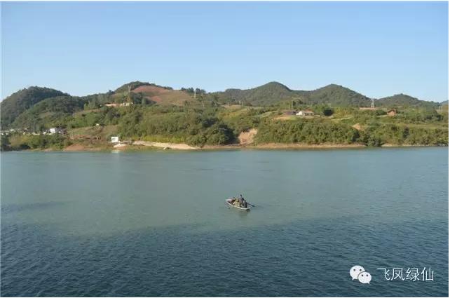 旅游 首页 文化旅游 旅游景点      七星湖风景区位于西乡县城东茶镇